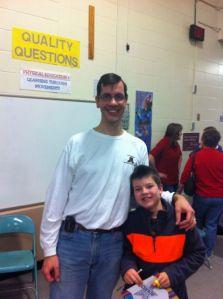 Maken och Sonen.Bilden togs strax innan jul på skolan hans.