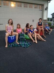 Våra barn med grannbarnen...